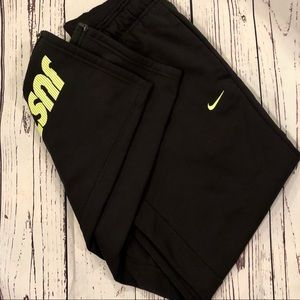 Nike Therma Fit Fleece Lined Pants Size Medium